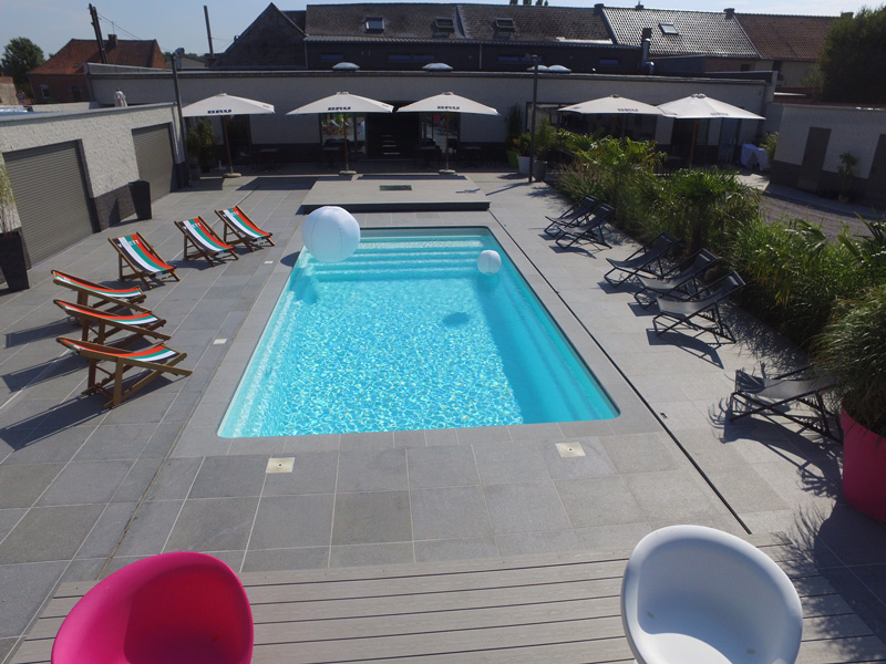 Piscines coque mdp wide piscines mon de pra for Dimension piscine coque